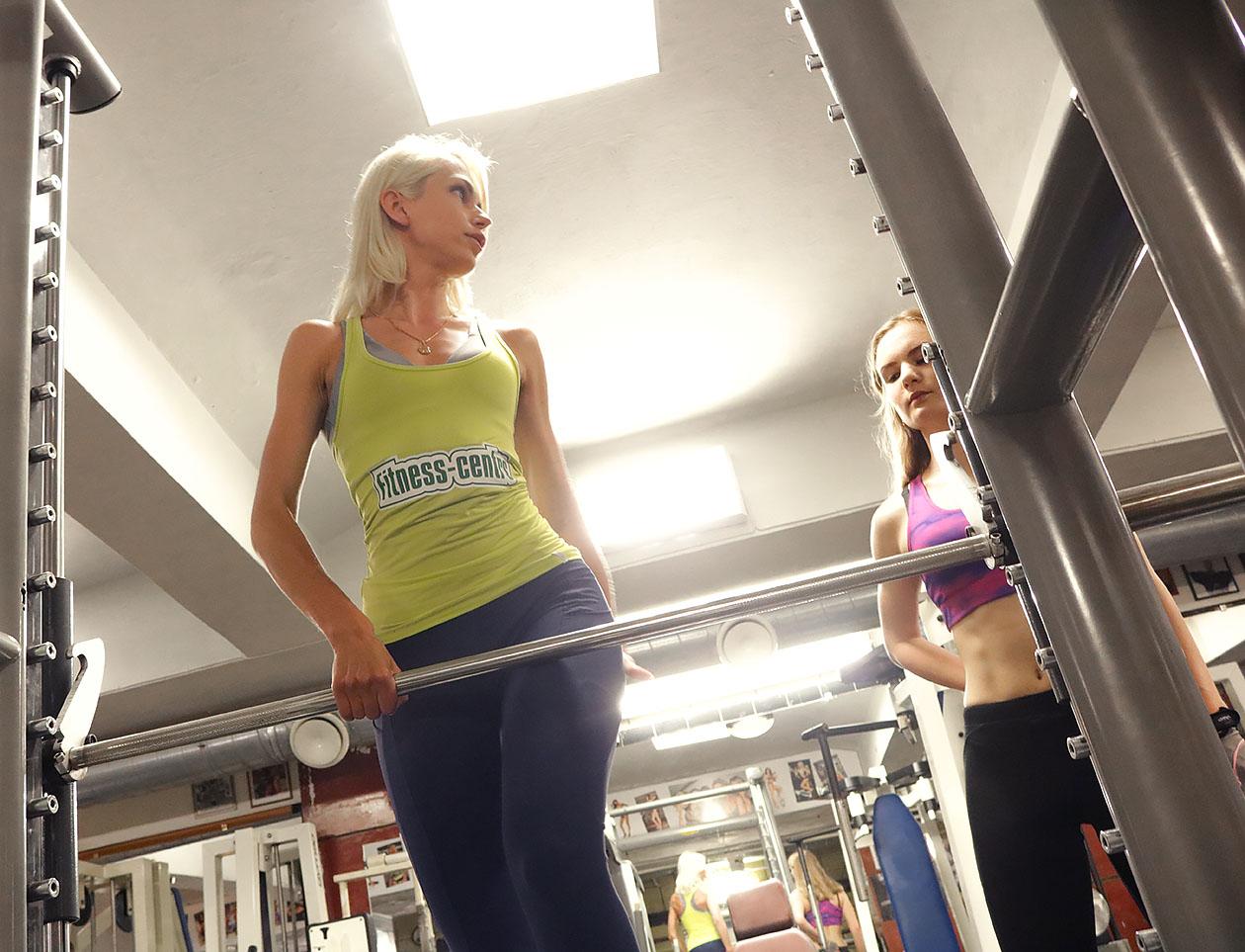http://img.fitnes.lv/2/14_fitness_models_gym_2893.jpg