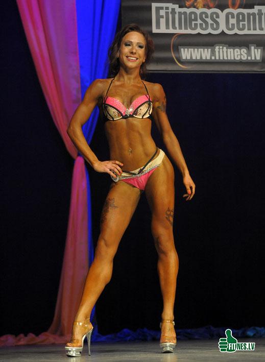 http://img.fitnes.lv/2/Amber_Prix_4673.jpg