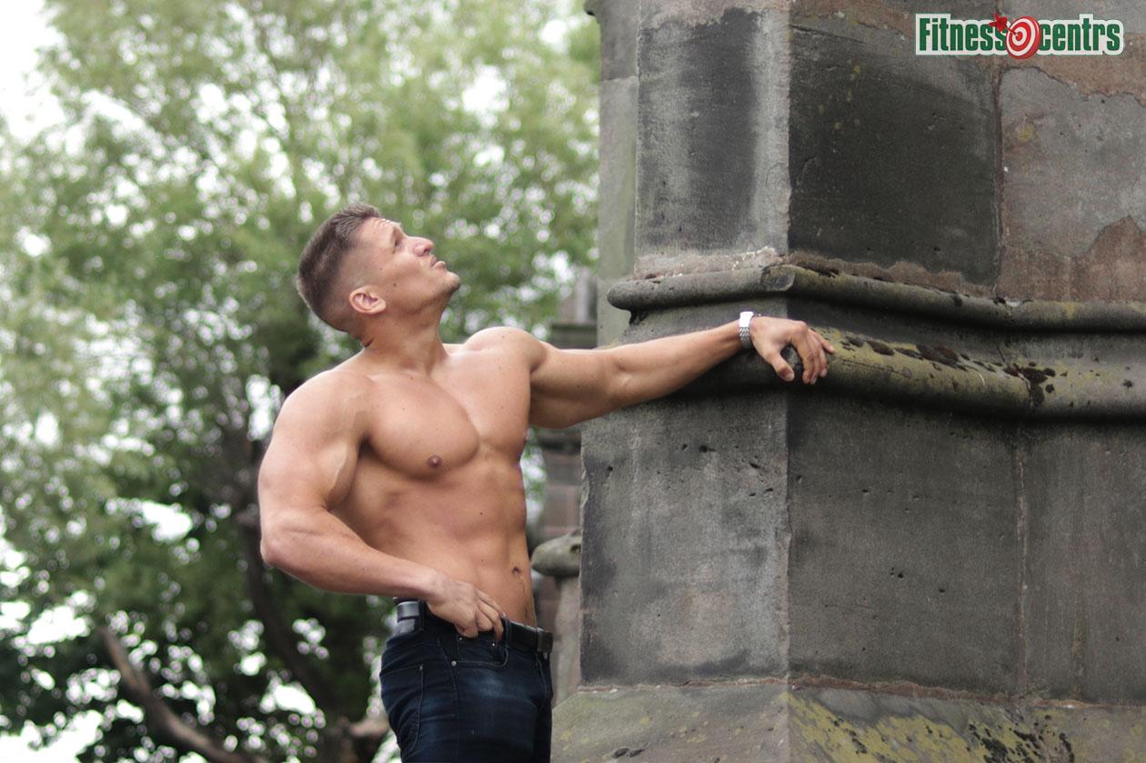 http://img.fitnes.lv/2/Artur_28944_7155.jpg