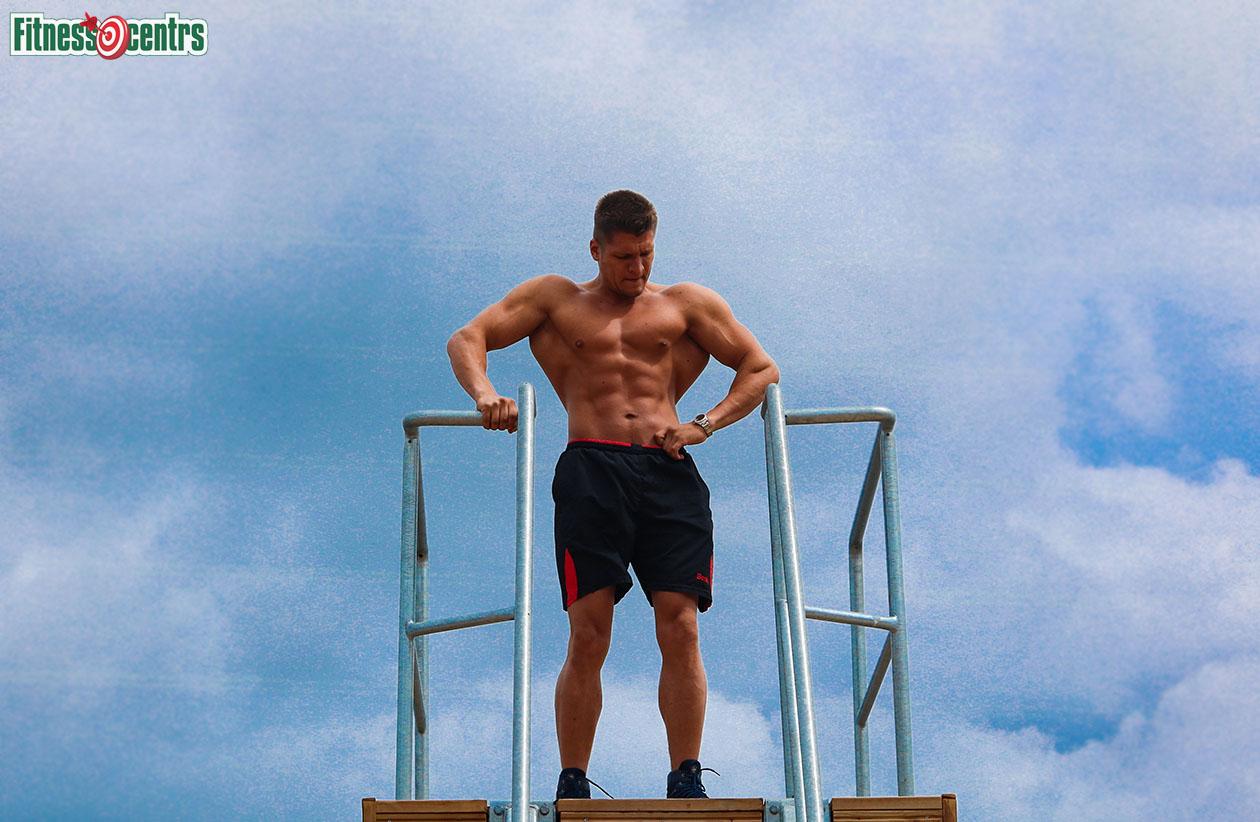 http://img.fitnes.lv/2/Artur_Burinsky_2783_4363.jpg