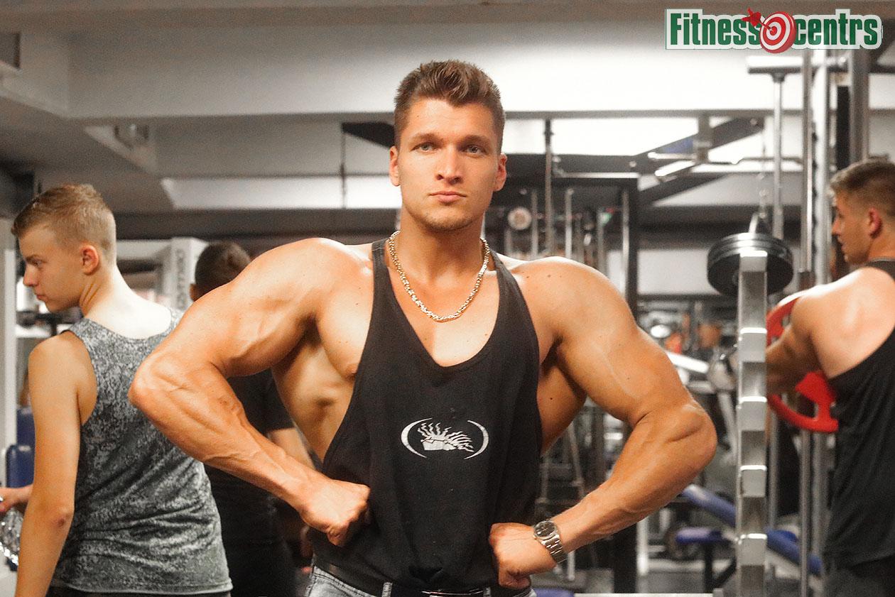 http://img.fitnes.lv/2/Arturs_Burinskis_27833_0918.jpg