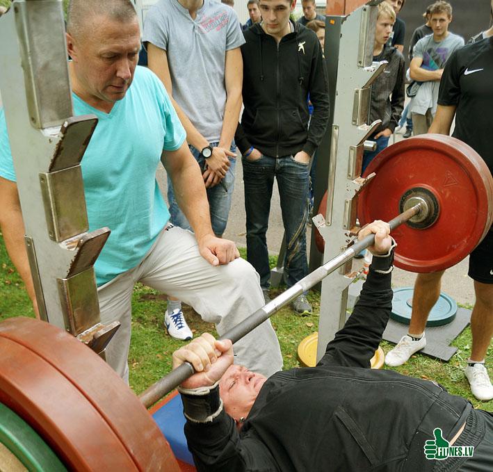 http://img.fitnes.lv/2/Arturs_Burinskis_93421.jpg