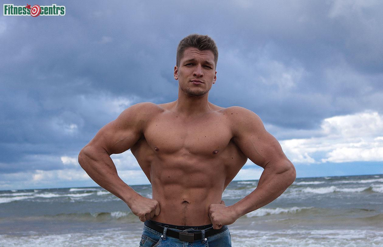 http://img.fitnes.lv/2/Artyrs_Burinskis_67887_1033.jpg