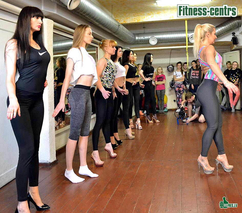 http://img.fitnes.lv/2/Bikini_girls_73893_0024.jpg