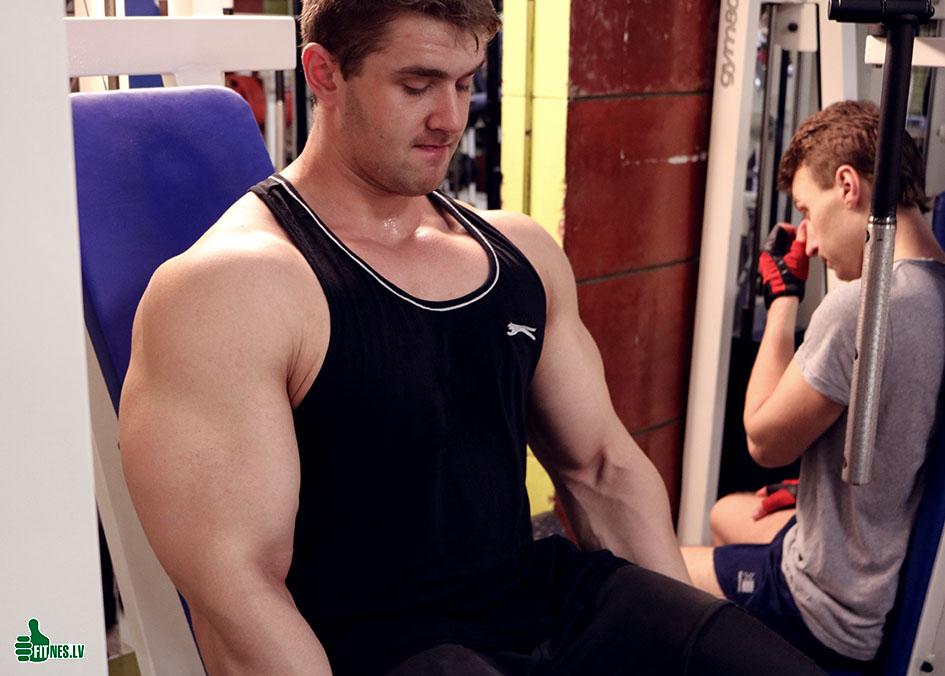 http://img.fitnes.lv/2/Denis_Hrapunov_283_2231.jpg
