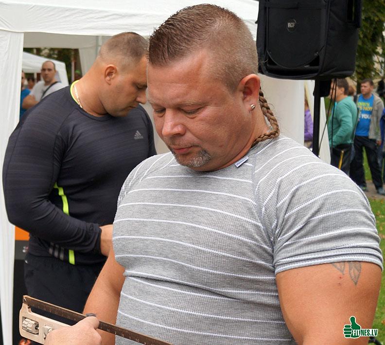 http://img.fitnes.lv/2/Dmitrij_Petrikin_46712.jpg