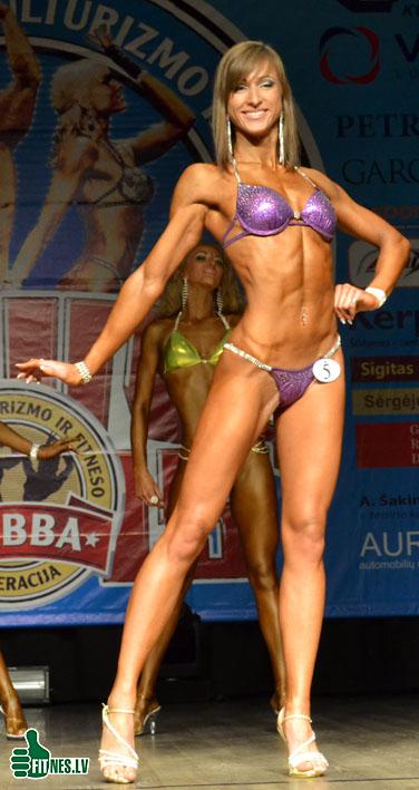 http://img.fitnes.lv/2/Emerita_Bagdonaite_0017.jpg