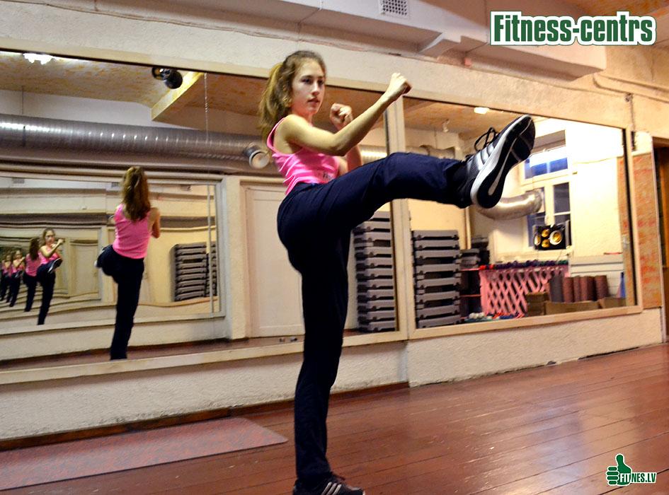 http://img.fitnes.lv/2/Fitness_aerobic_0107.jpg
