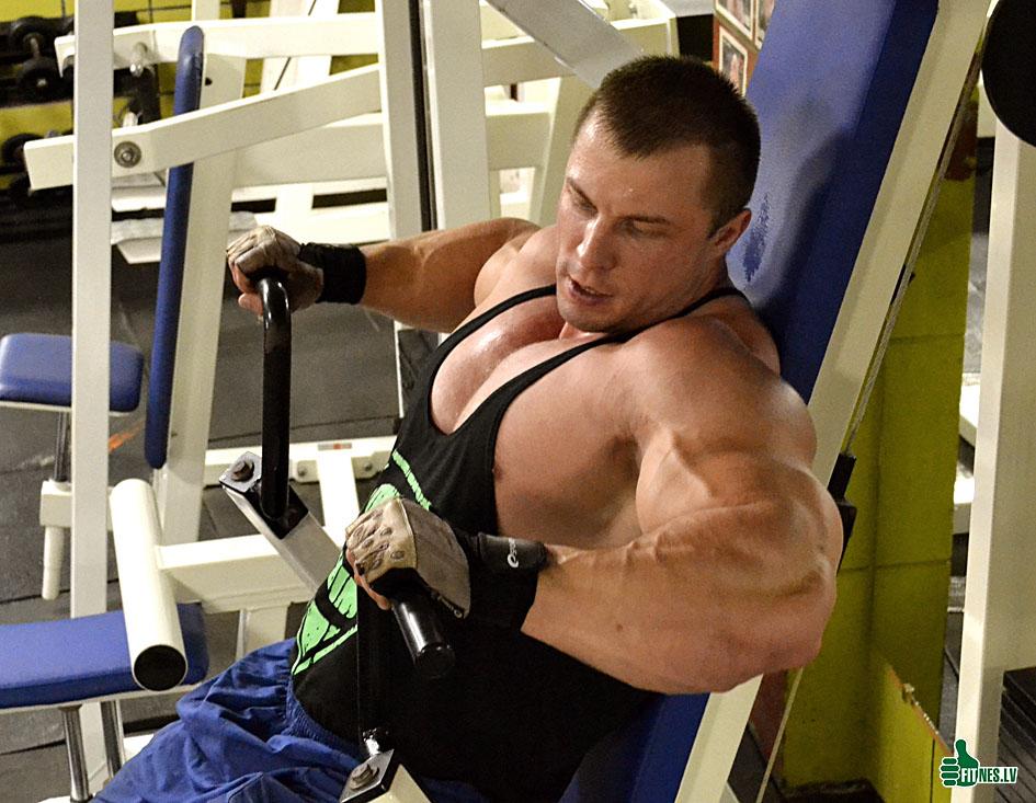 http://img.fitnes.lv/2/Fitness_centrs_9272567.jpg