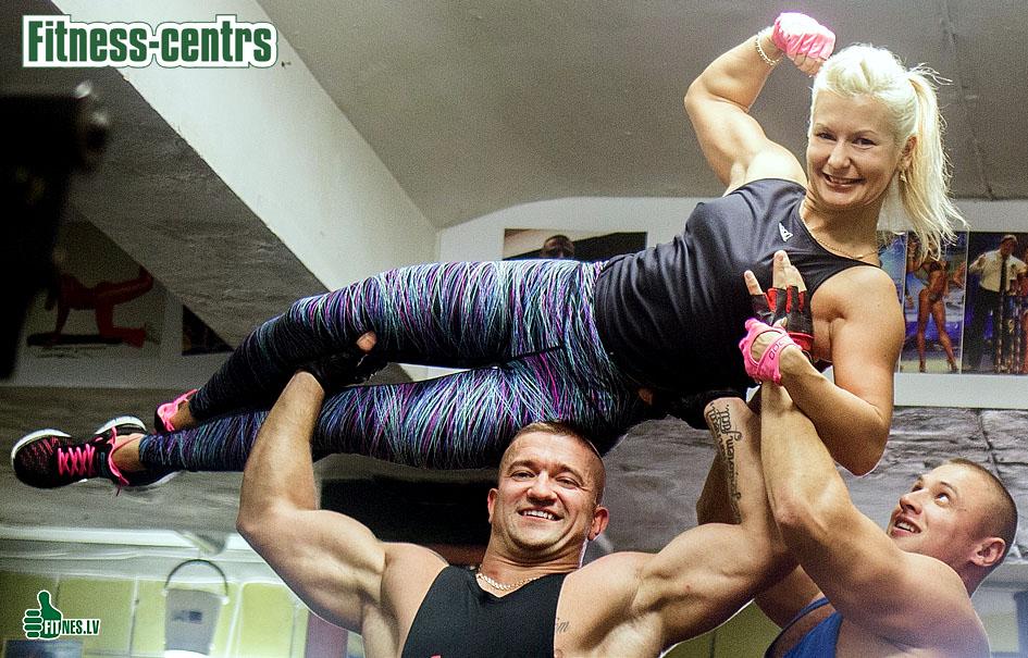 http://img.fitnes.lv/2/Fitness_girls_2505.jpg