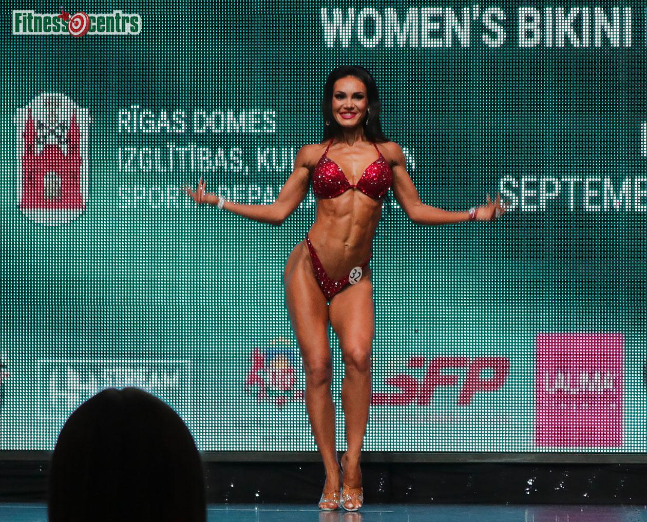 http://img.fitnes.lv/2/IFBB_bikini_2671891_0551.jpg