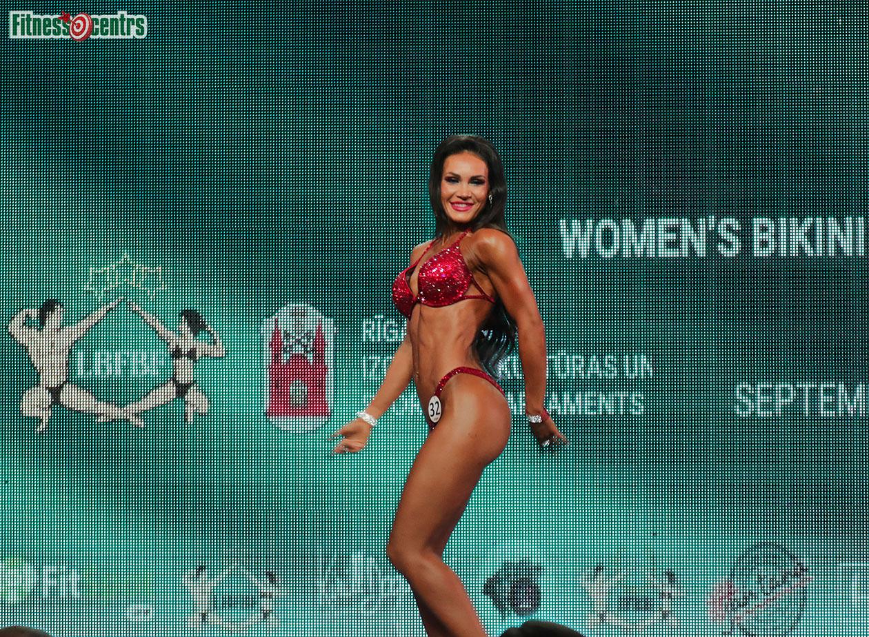 http://img.fitnes.lv/2/IFBB_bikini_2671891_0865.jpg