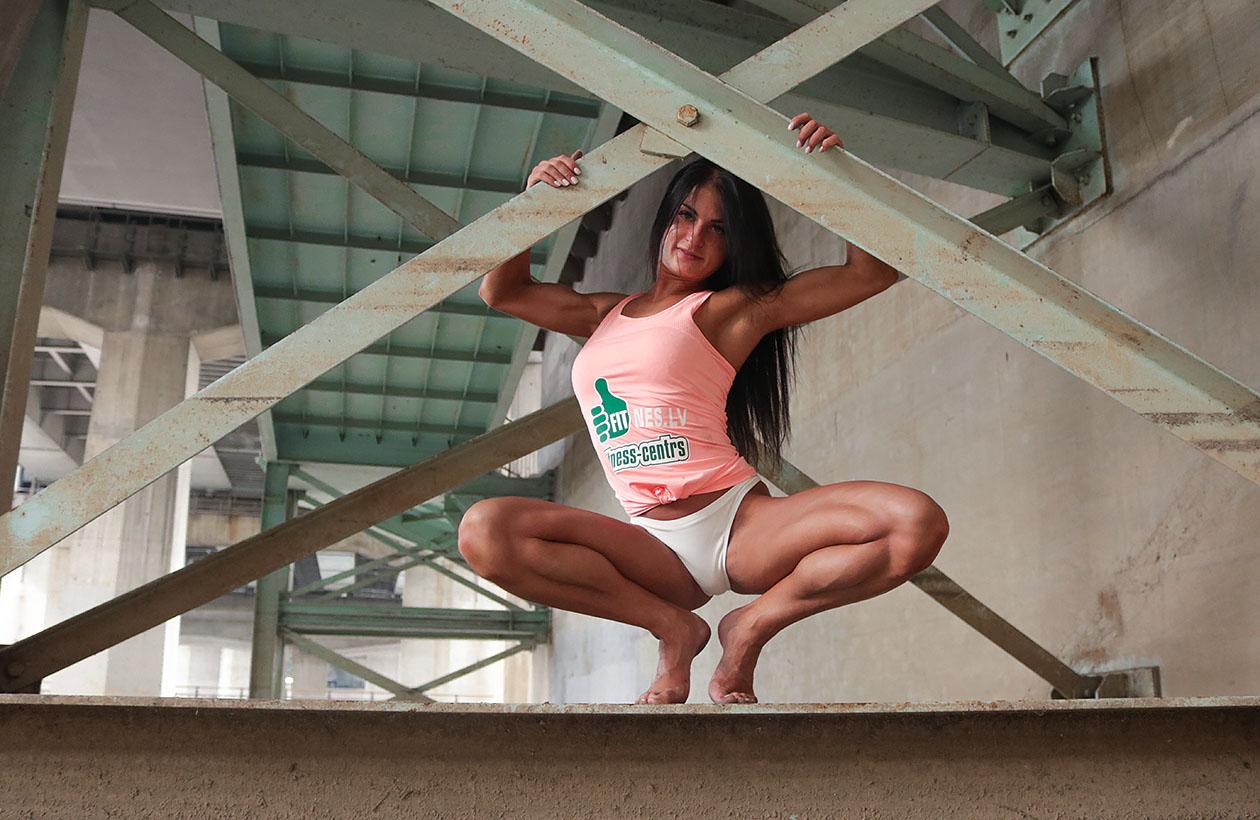 http://img.fitnes.lv/2/Iron_bikini_girls_2893_2554.jpg