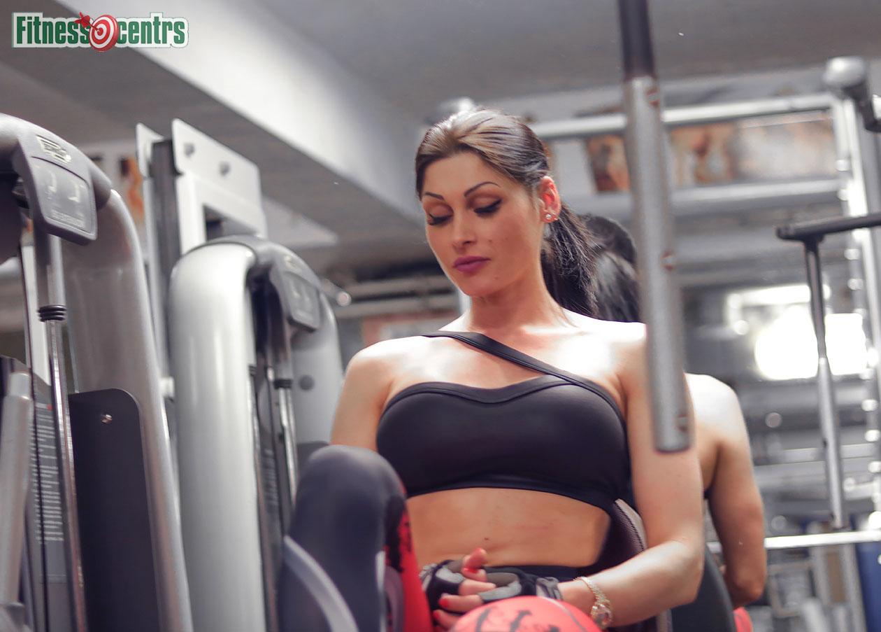 http://img.fitnes.lv/2/Latvian_fitness_girls_2893_7876.jpg