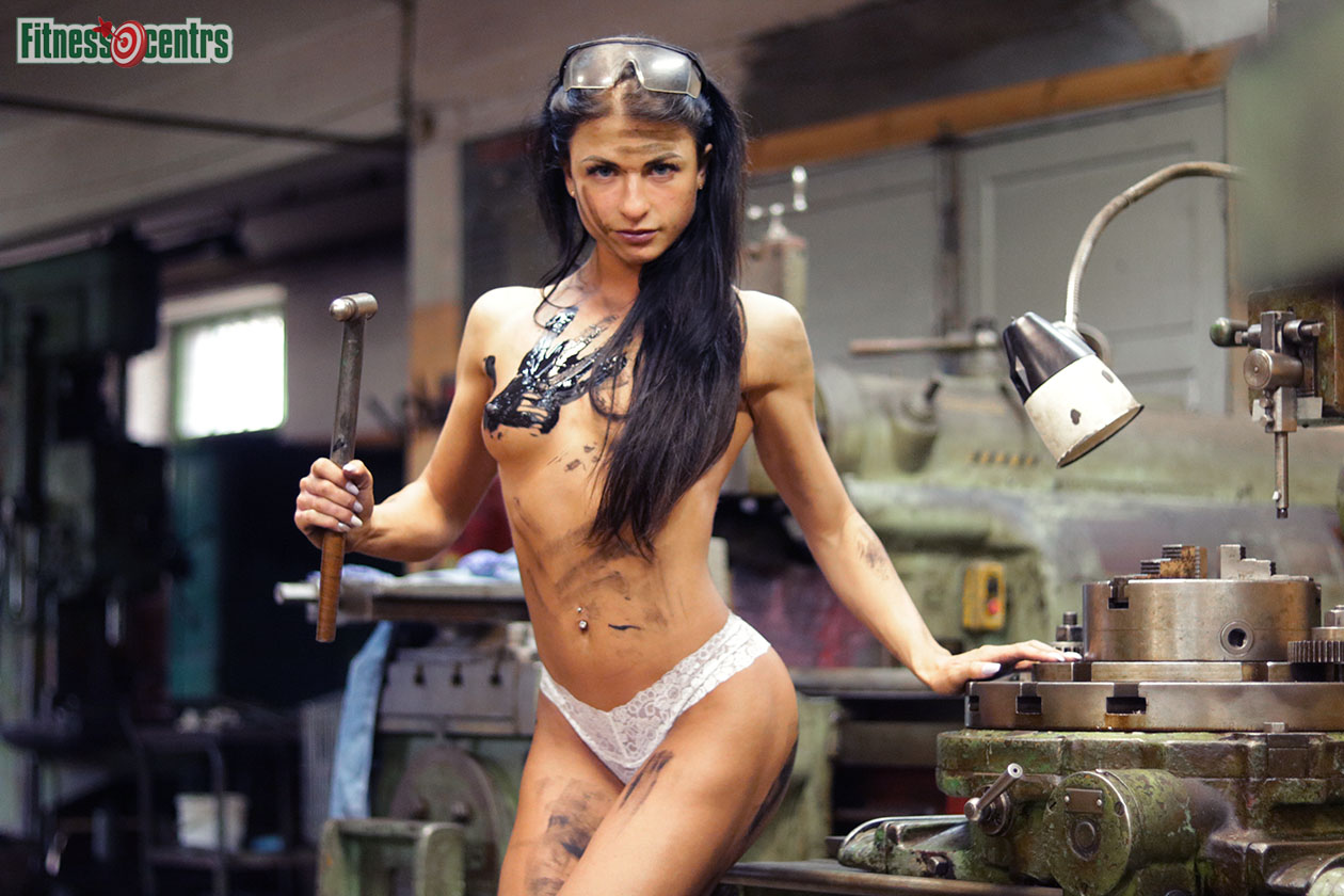 http://img.fitnes.lv/2/Latvian_sexy_fitness_girls_27833_6813.jpg