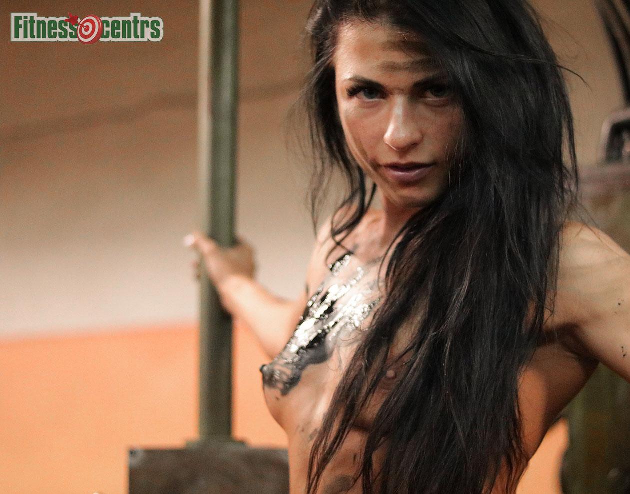http://img.fitnes.lv/2/Latvian_sexy_fitness_girls_289372_6855.jpg