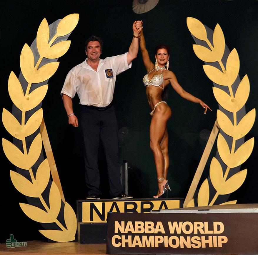 http://img.fitnes.lv/2/NABBA_World_738433_0341.jpg