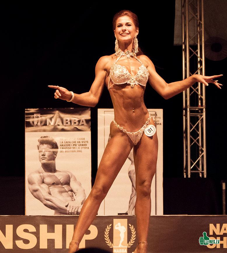http://img.fitnes.lv/2/NABBA_bikini_983_5208.jpg