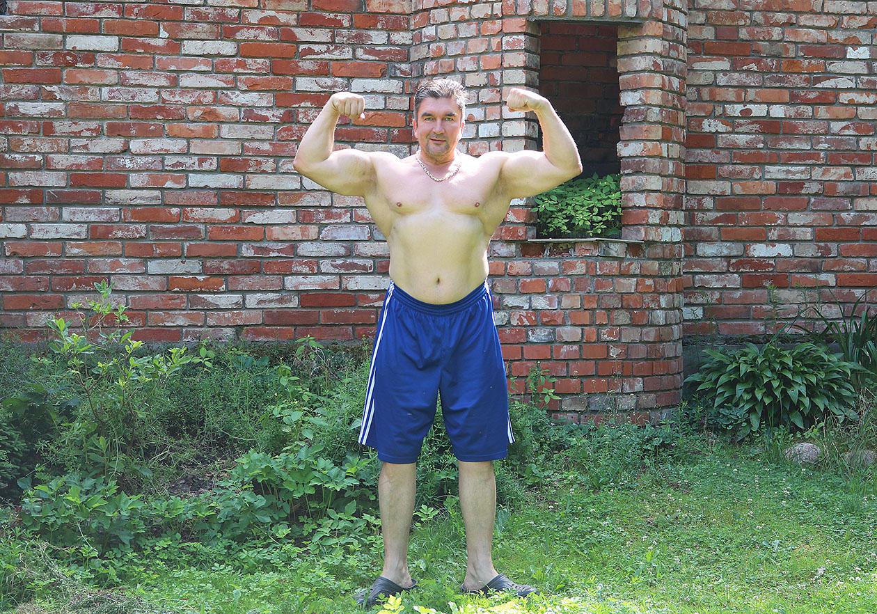 http://img.fitnes.lv/2/Oleg_Burinsky_2783_5283.jpg