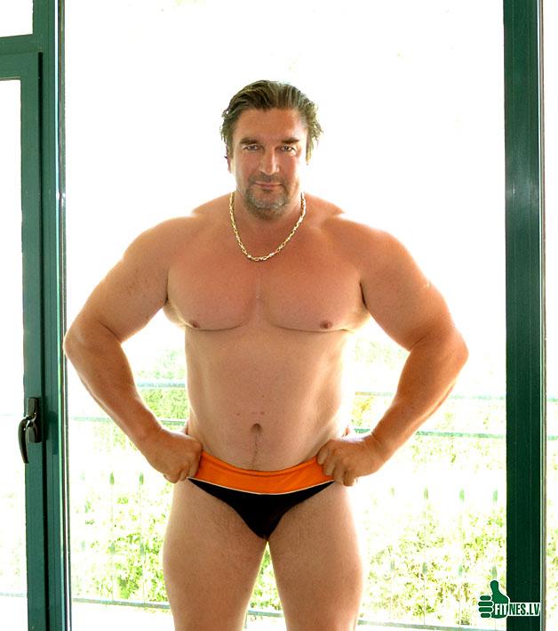 http://img.fitnes.lv/2/Oleg_Burinsky_2884_0197.jpg
