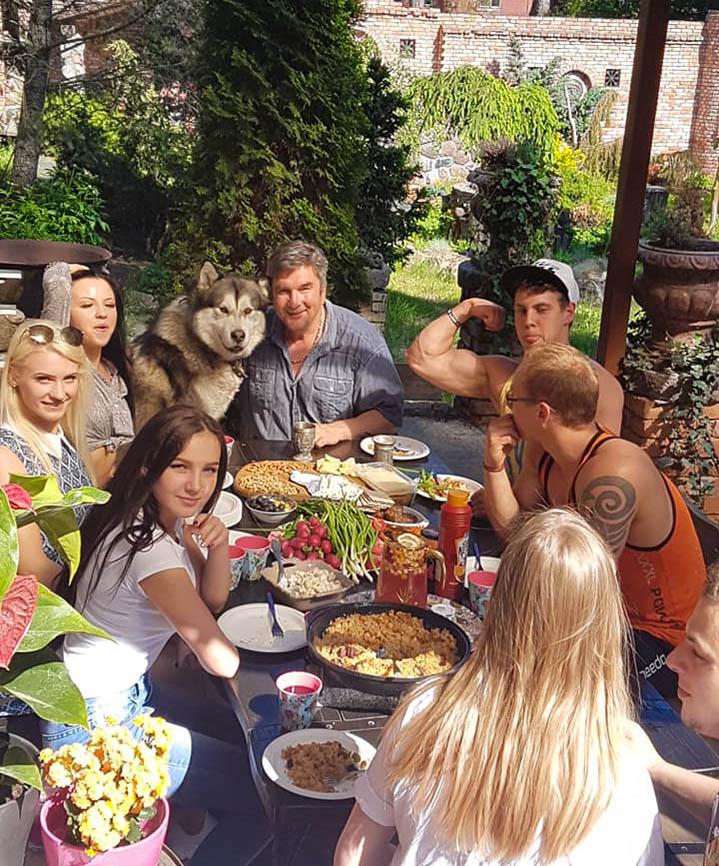http://img.fitnes.lv/2/Oleg_Burinsky_289376622.jpg