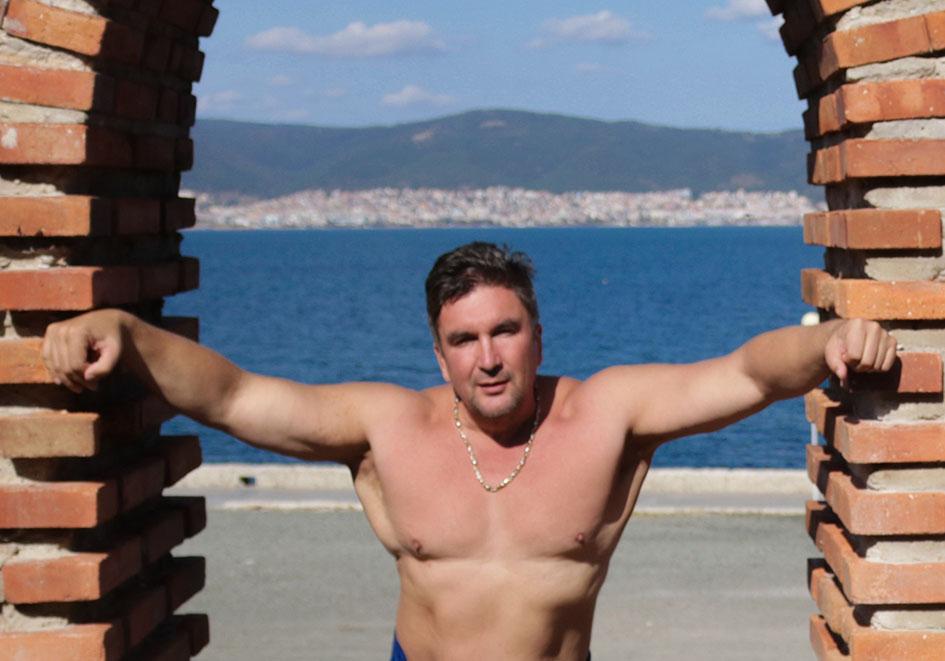 http://img.fitnes.lv/2/Olegs_Burinskis_2783774622.jpg