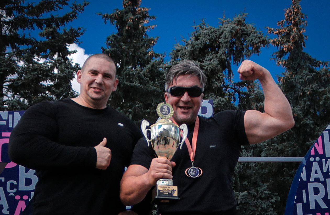 http://img.fitnes.lv/2/Olegs_Burinskis_27882_3774.jpg