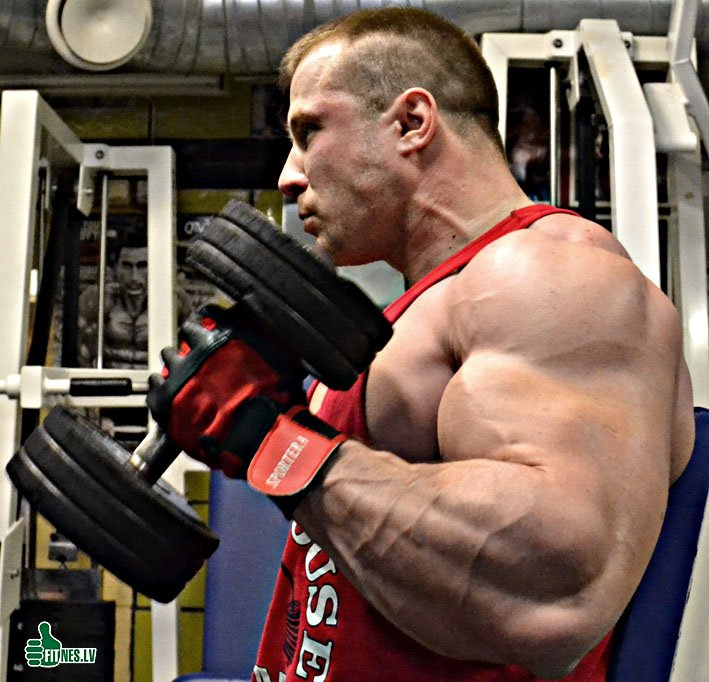 http://img.fitnes.lv/2/Romanov_27365_0025.jpg