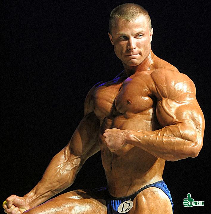 http://img.fitnes.lv/2/Romanov_Dmitry_4769.jpg