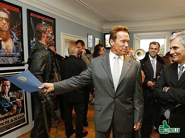 http://img.fitnes.lv/2/Schwarzenegger_28265544.jpg