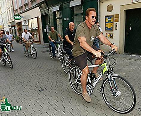 http://img.fitnes.lv/2/Schwarzenegger_velo_930-44.jpg