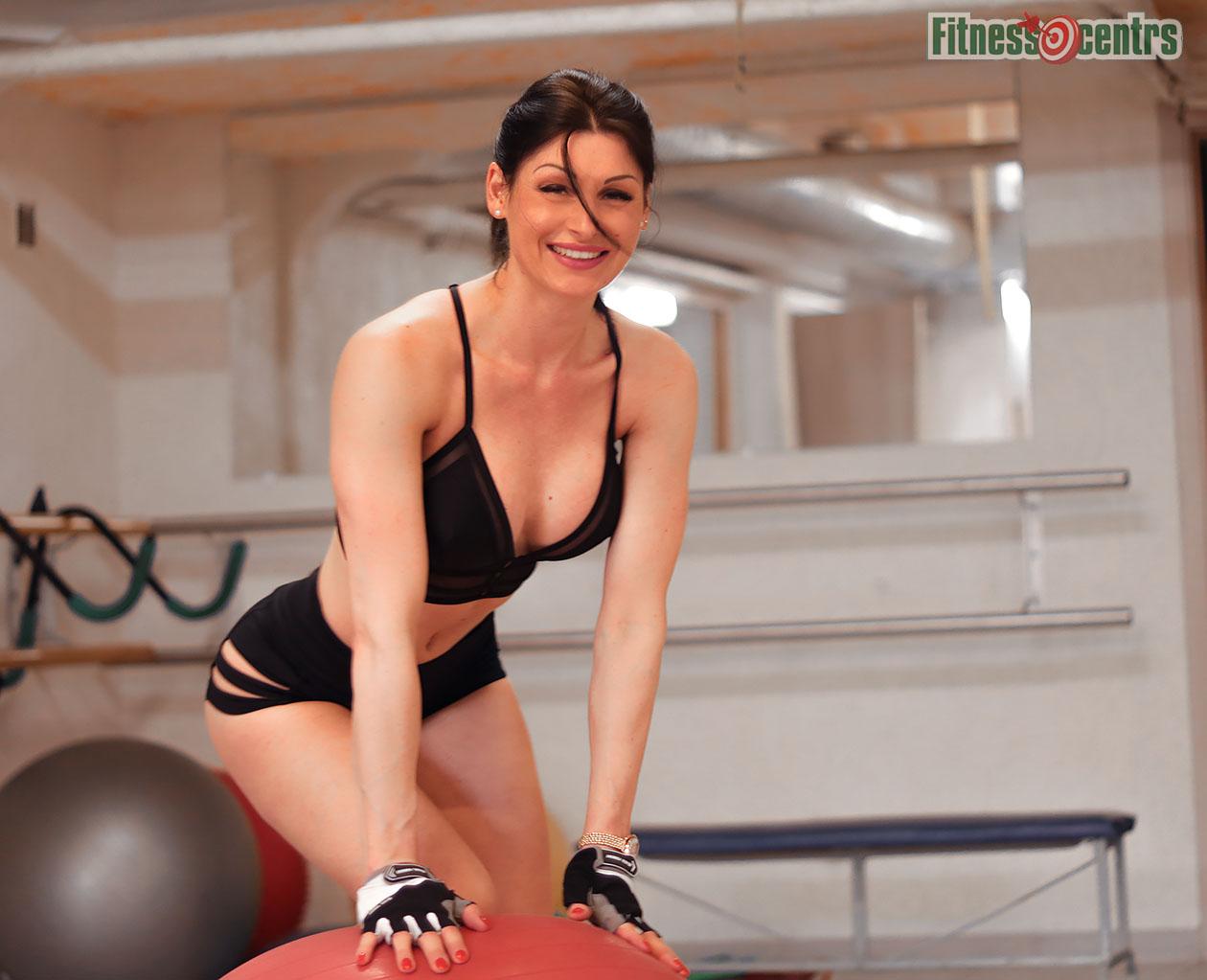 http://img.fitnes.lv/2/aerobic_Latvia_2784_8288.jpg