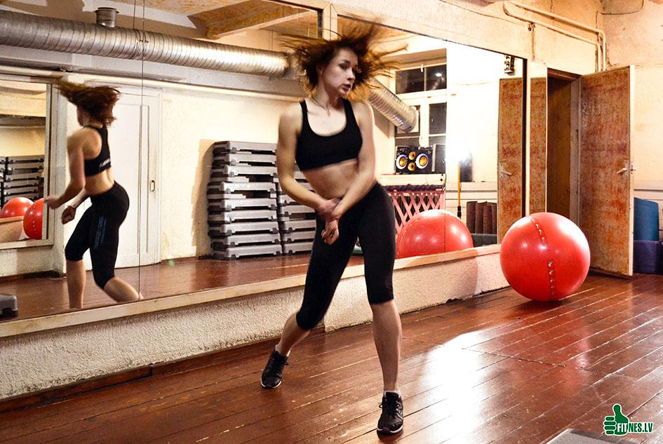 http://img.fitnes.lv/2/aerobic_dance_388_0055.jpg