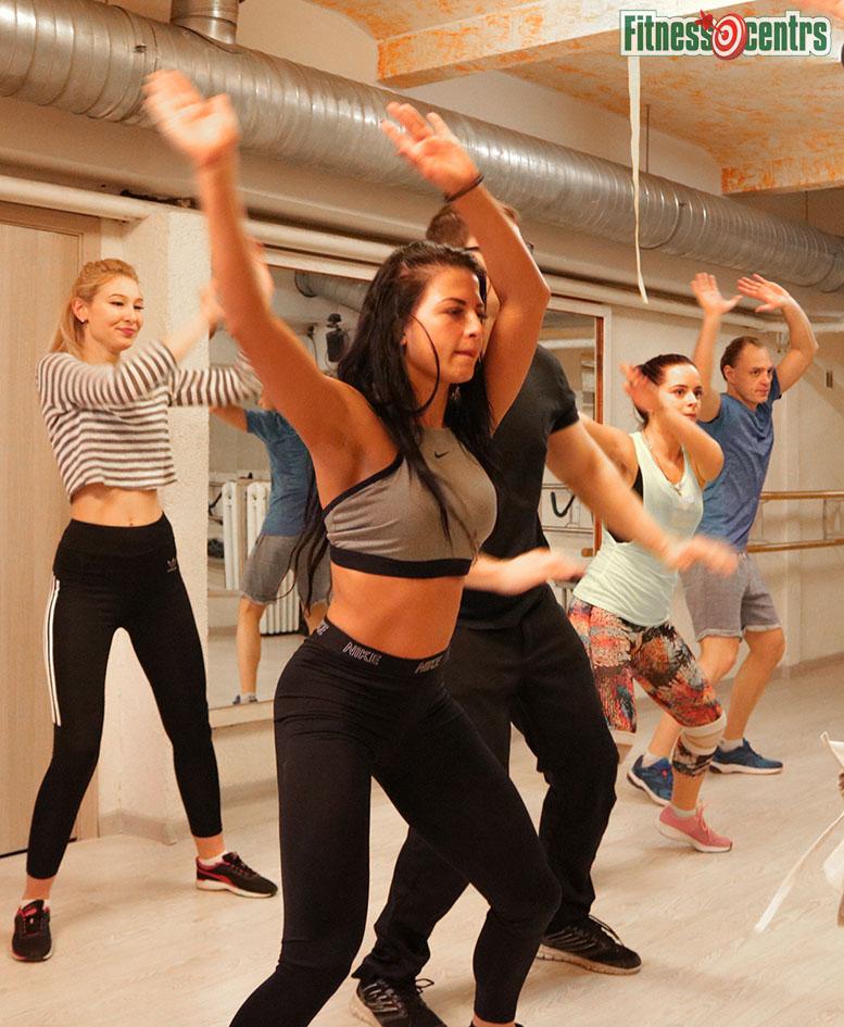 http://img.fitnes.lv/2/aerobics_8727261233.jpg