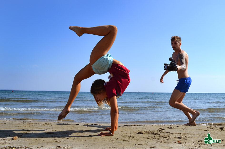 http://img.fitnes.lv/2/aerobics_beach_76_0968.jpg