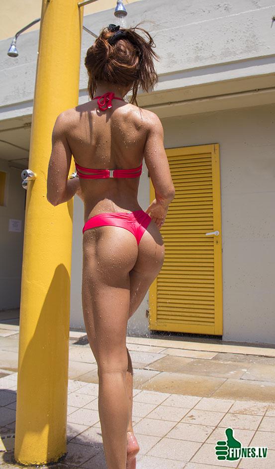 http://img.fitnes.lv/2/beach_bikini_girls_89393723_4229.jpg