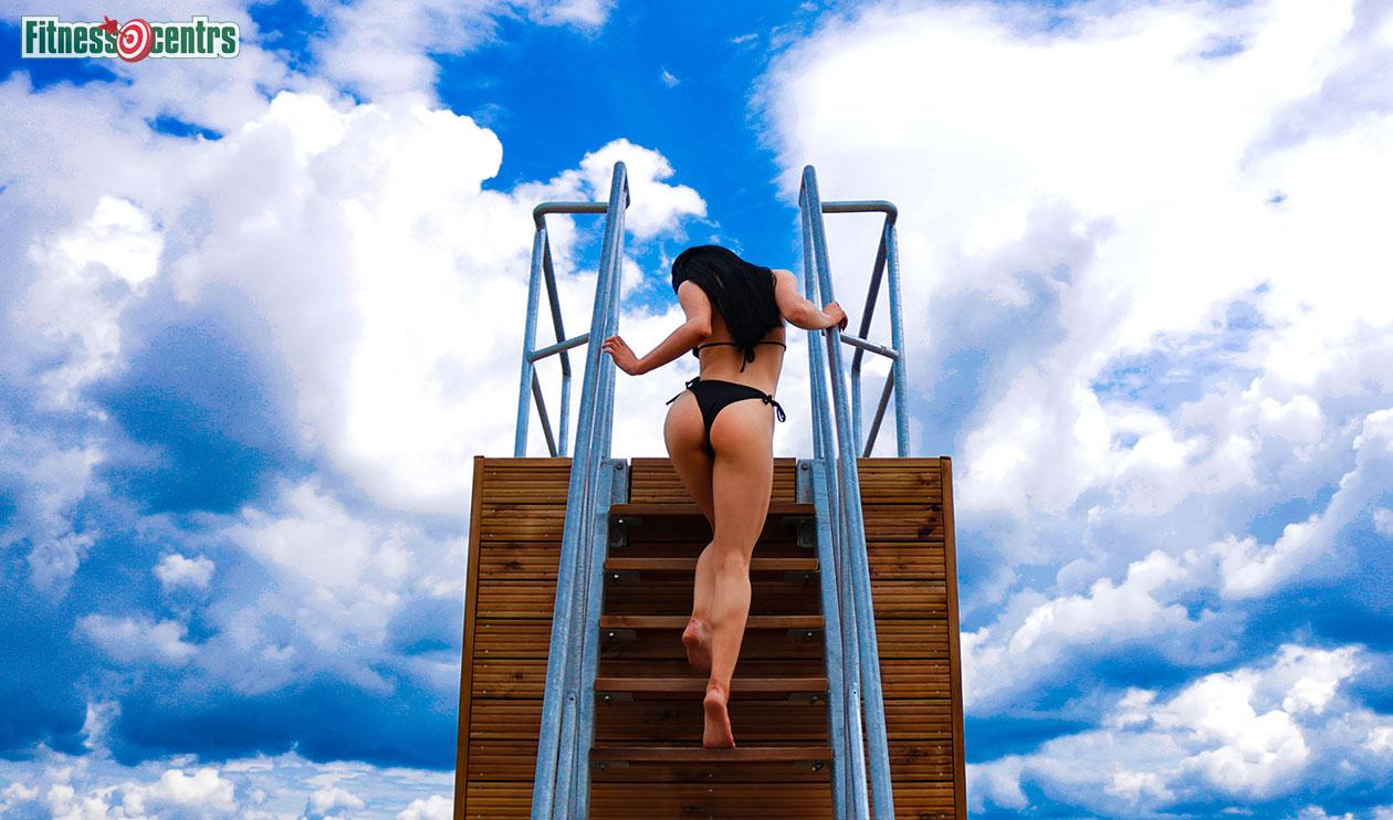 http://img.fitnes.lv/2/beach_girl_ass_2683_4602.jpg