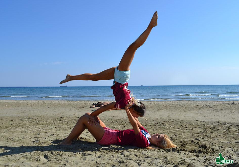 http://img.fitnes.lv/2/beach_girls_287668_0905.jpg