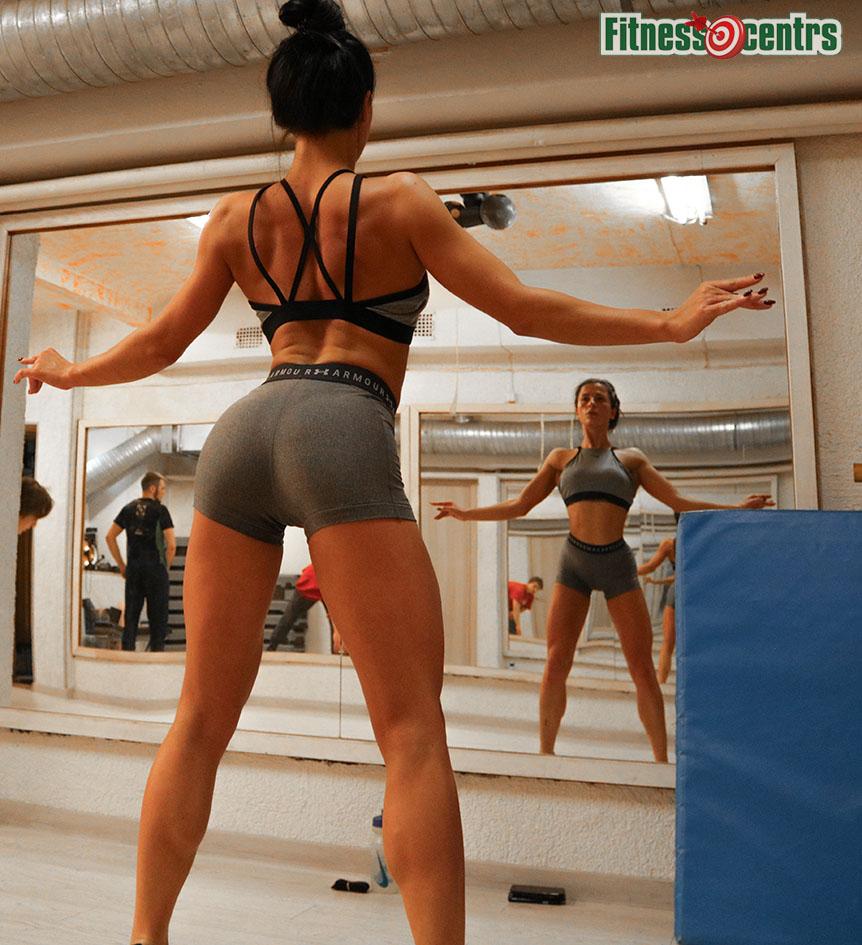http://img.fitnes.lv/2/bikini_ass_89298373_6058.jpg