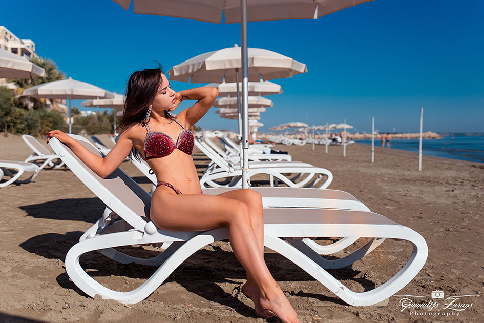 http://img.fitnes.lv/2/bikini_beach_2892762.jpg
