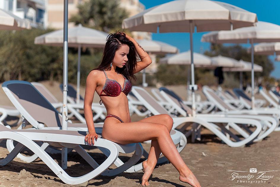 http://img.fitnes.lv/2/bikini_beach_2892763.jpg