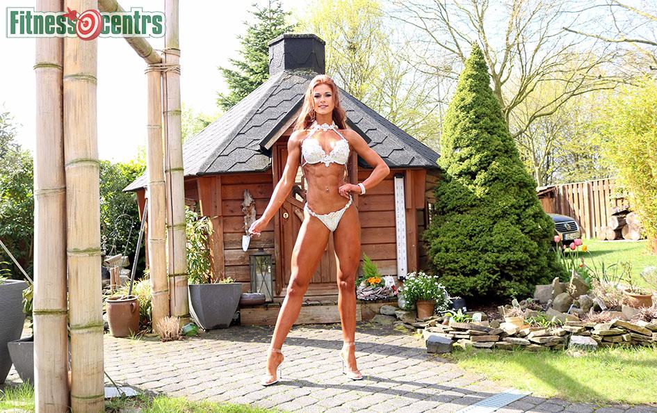 http://img.fitnes.lv/2/bikini_girls_2873_6830.jpg