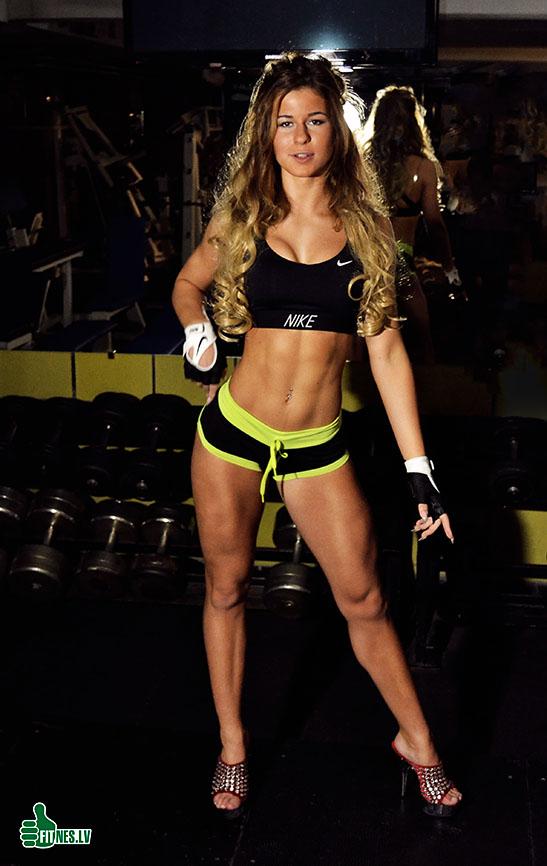 http://img.fitnes.lv/2/bikini_girls_97267113.jpg