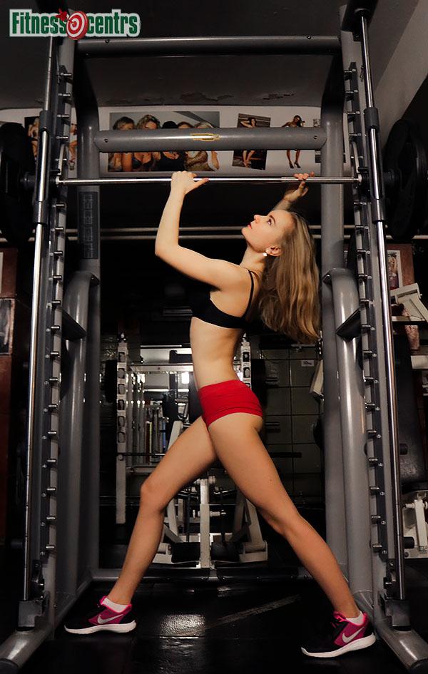 http://img.fitnes.lv/2/bikini_model_2782993_5252.jpg