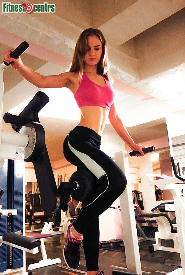 http://img.fitnes.lv/2/bikini_model_27838_2811.jpg