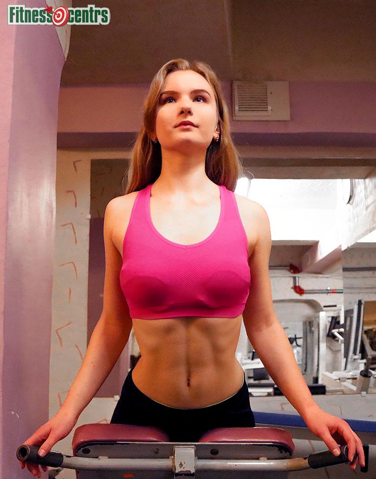http://img.fitnes.lv/2/bikini_model_288834782_2843.jpg
