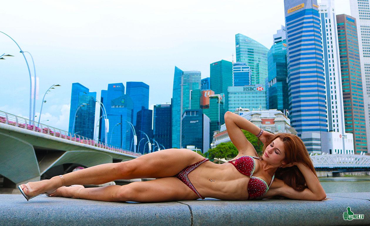 http://img.fitnes.lv/2/bikini_queen_3844_0838.jpg