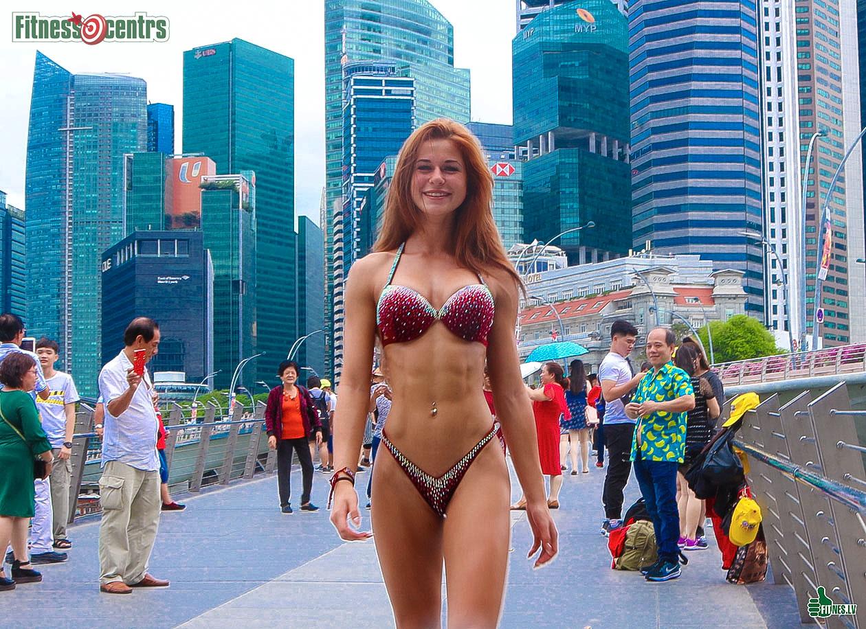 http://img.fitnes.lv/2/bikini_queen_983_0937.jpg