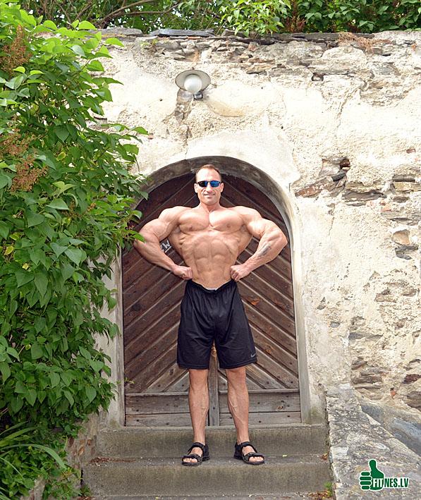 http://img.fitnes.lv/2/bodybuilding_0061.jpg
