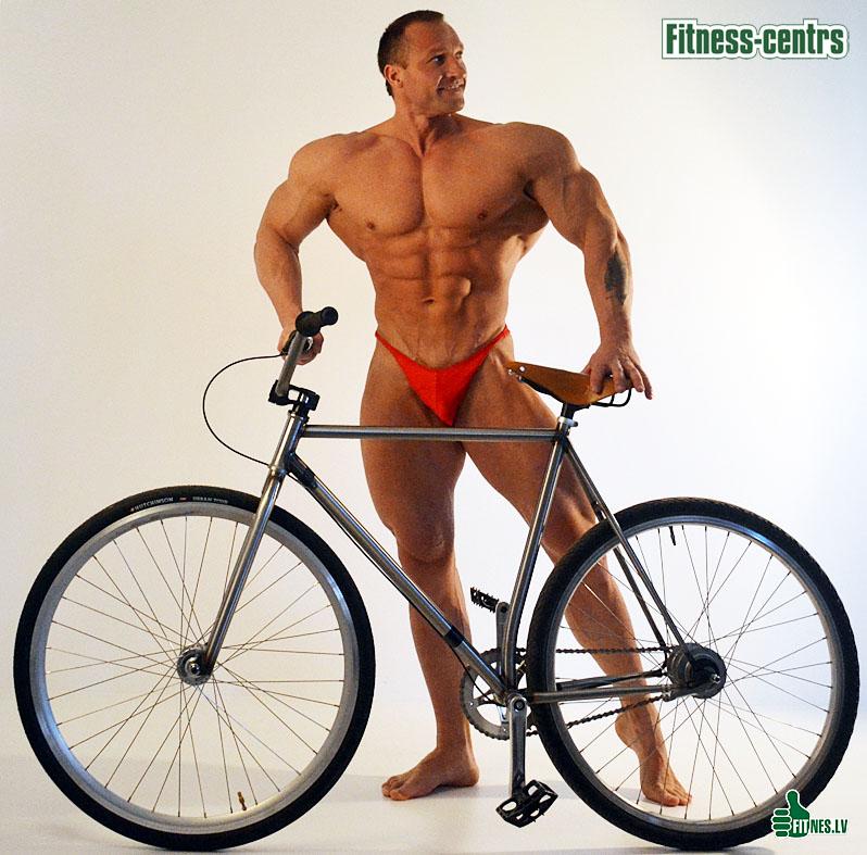 http://img.fitnes.lv/2/bodybuilding_0072.jpg